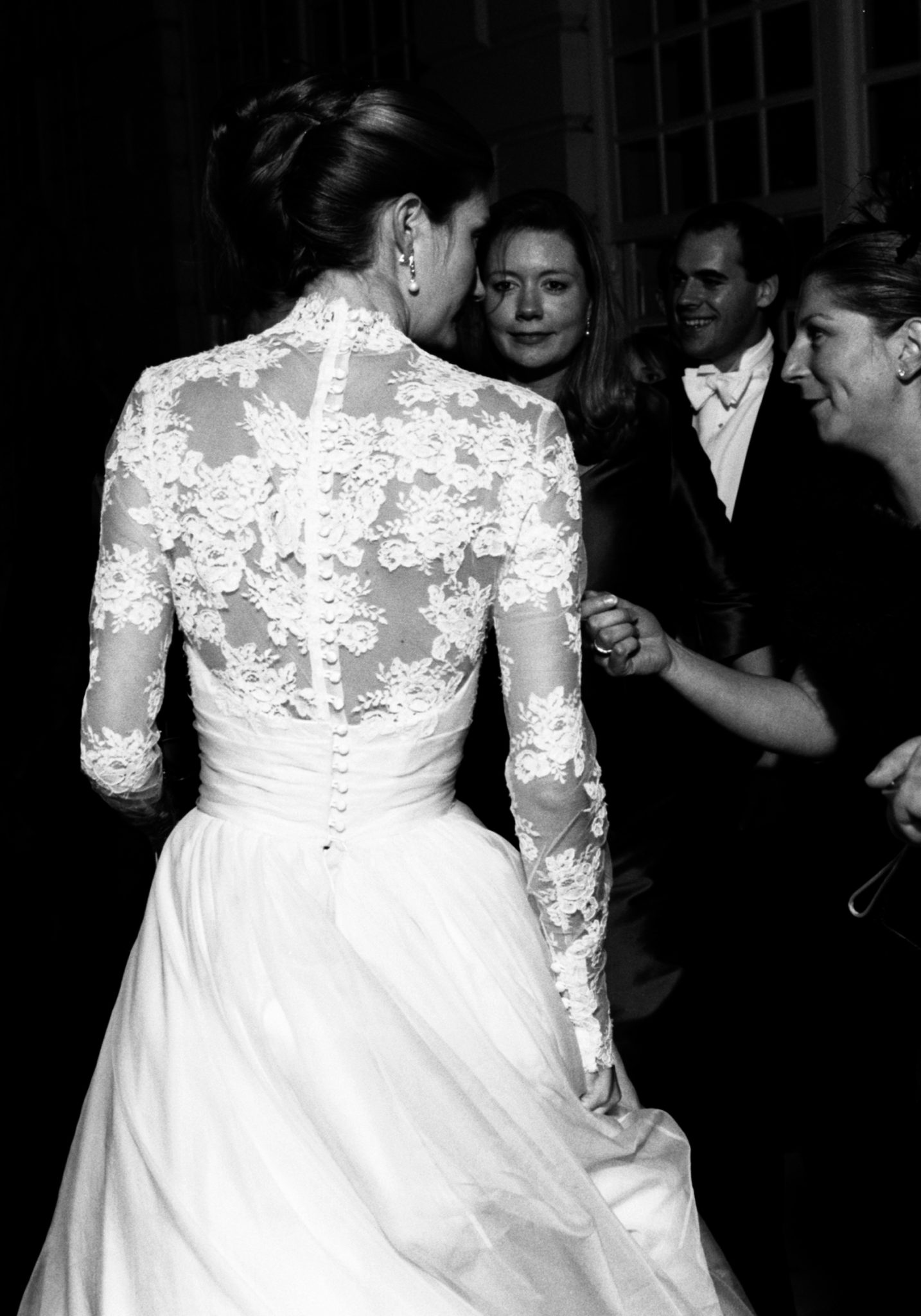 Phillipa-Lepley-Couture-Lace-Sleeves-Wedding-Dress-Buttons-HIgh-Neck-Wedding-Dress-London-Traditional