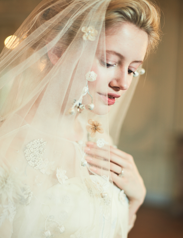 BESPOKE EMBELLISHED & EMBROIDERED VEILS