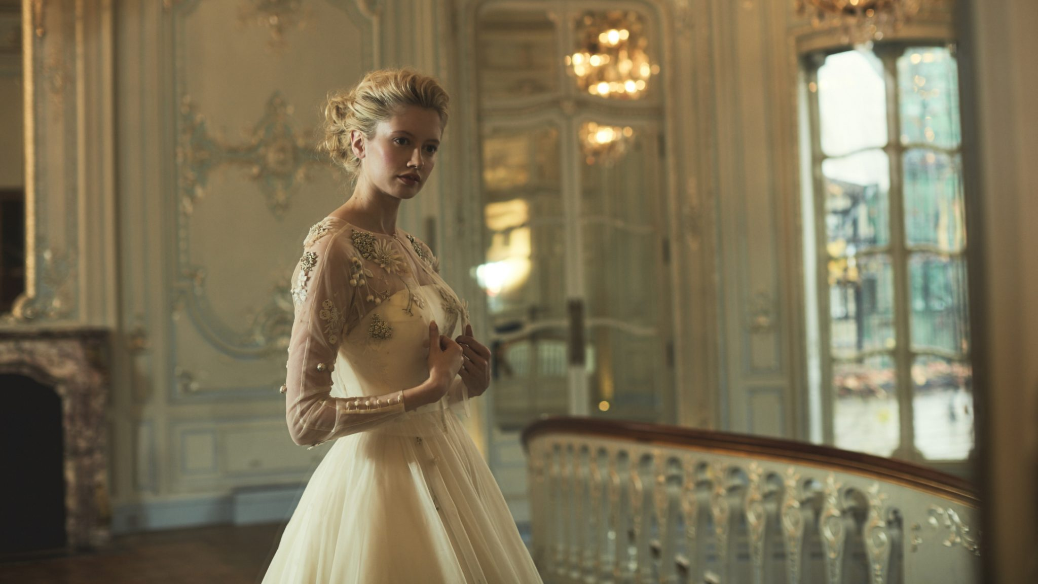 Phillipa-Lepley-floral-embroidered-tulle-cover-up-Couture-Wedding-Dress-London