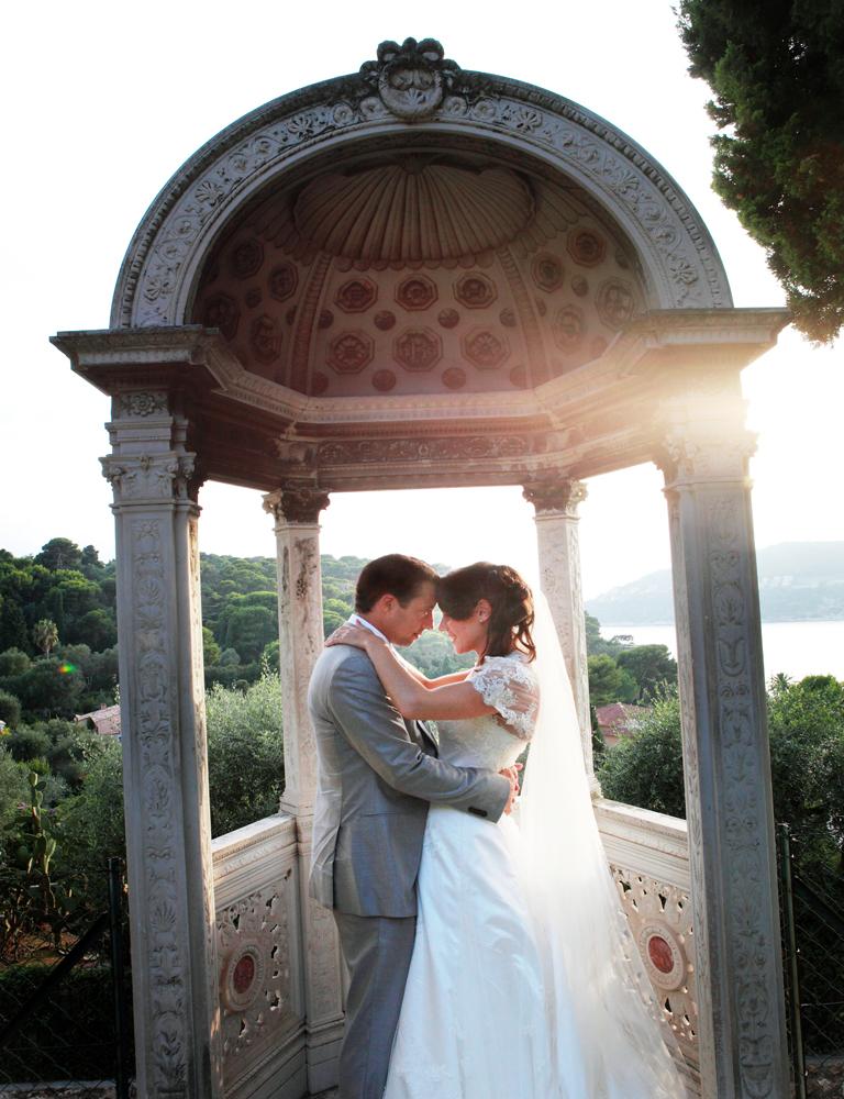 NATASHA'S ROMANTIC LACE WEDDING DRESS