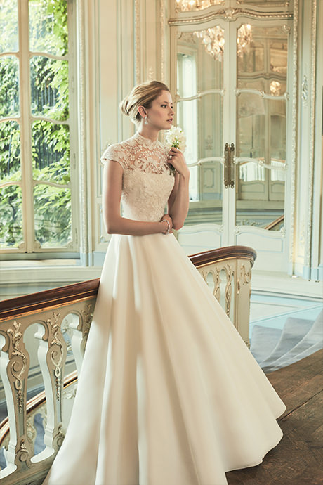 Phillipa-Lepley-Bespoke-Lace-Designer-Wedding-Dress-With-High-Neck