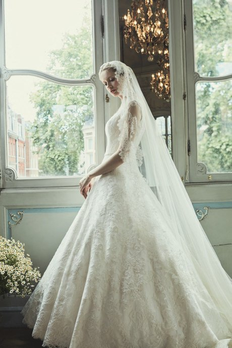 COUTURE WEDDING DRESS – BOLSHOI BALLET IVOIRE SCROLL