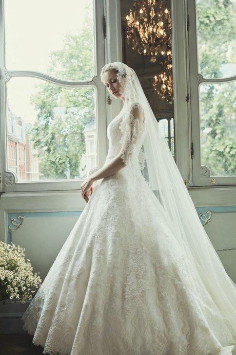 COUTURE WEDDING DRESS – BOLSHOI BALLET IVOIRE SCROLL
