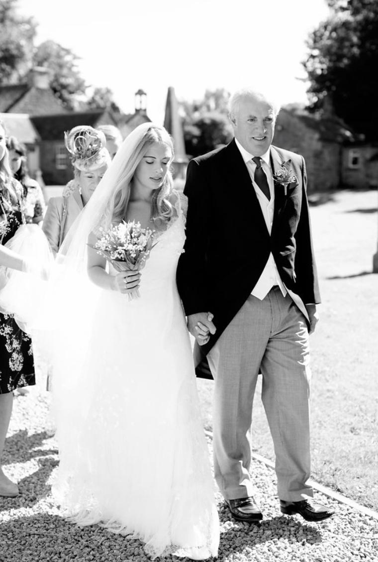 Phillipa-Lepley-Lace-Wedding-Dress b