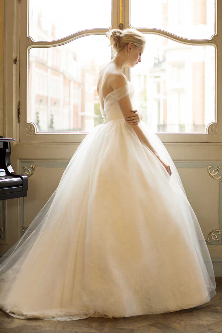 Phillipa-Lepley-Plain-Tulle-Ballgown-Wedding-Dress-London