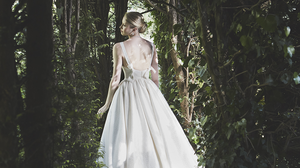 Phillipa Lepley Couture Wedding Dress London UK Designer Bespoke Couture Toulouse Suffolk Brocade Gathered Waist Pinafore Straps Bows at Back Long Train Corset 1560 1020 X 570